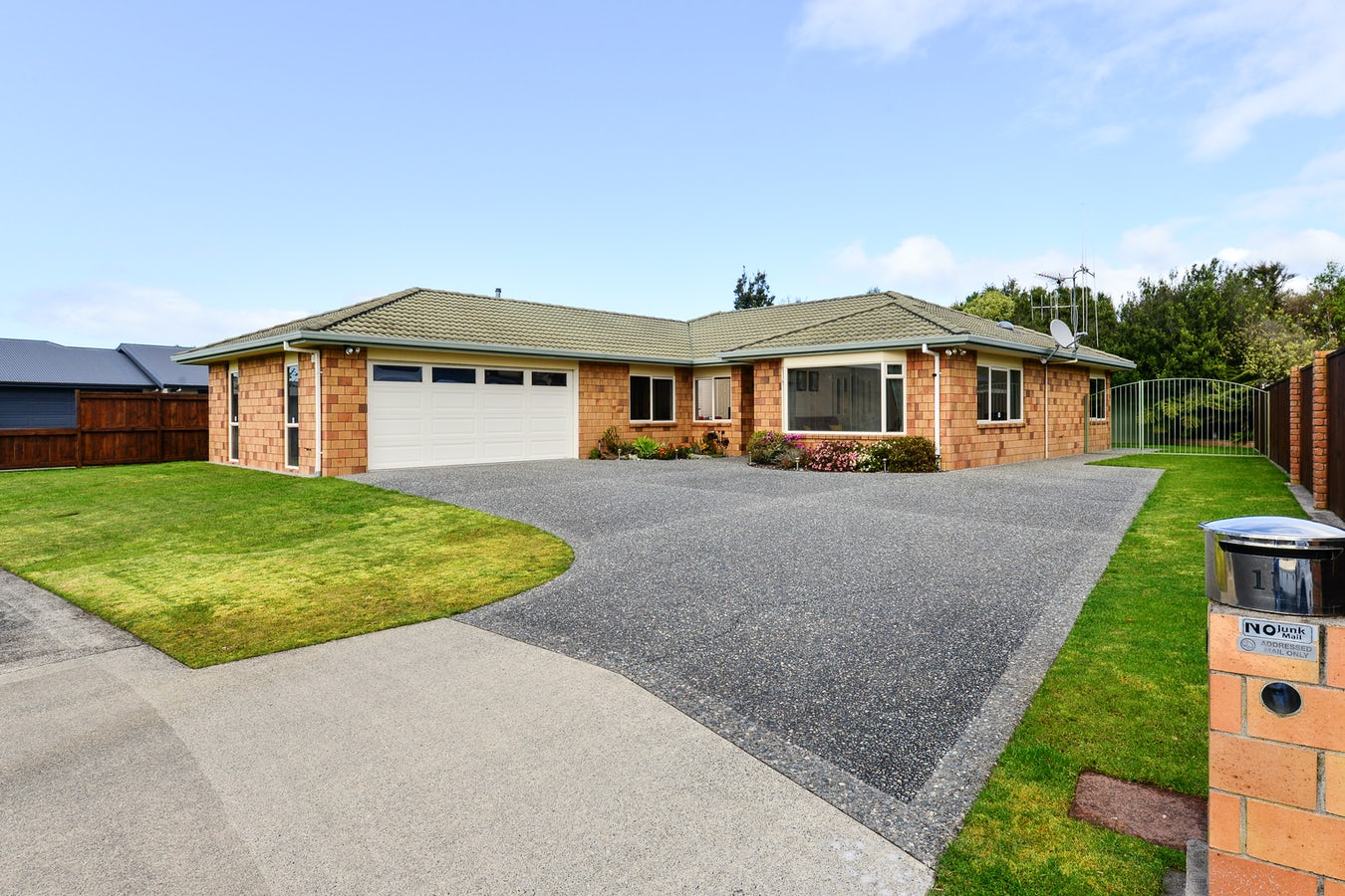 11 Logan Court Chartwell | Lugton's Real Estate - NZ