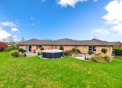 Houses for Sale Hamilton | Lugton's Real Estate
